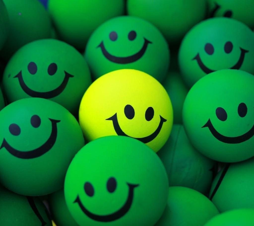 Green_Smiley-wallpaper-10855409